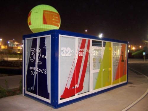 Vinilo microperforado en cabina promocional