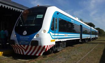 <p>Cambiamos de color las partes grises de los trenes con franjas de vinilo blanco y […]</p>